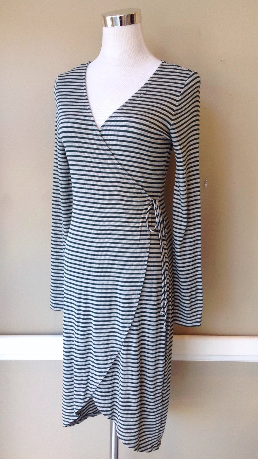 Rib knit wrap dress win grey/hunter stripe, $42
