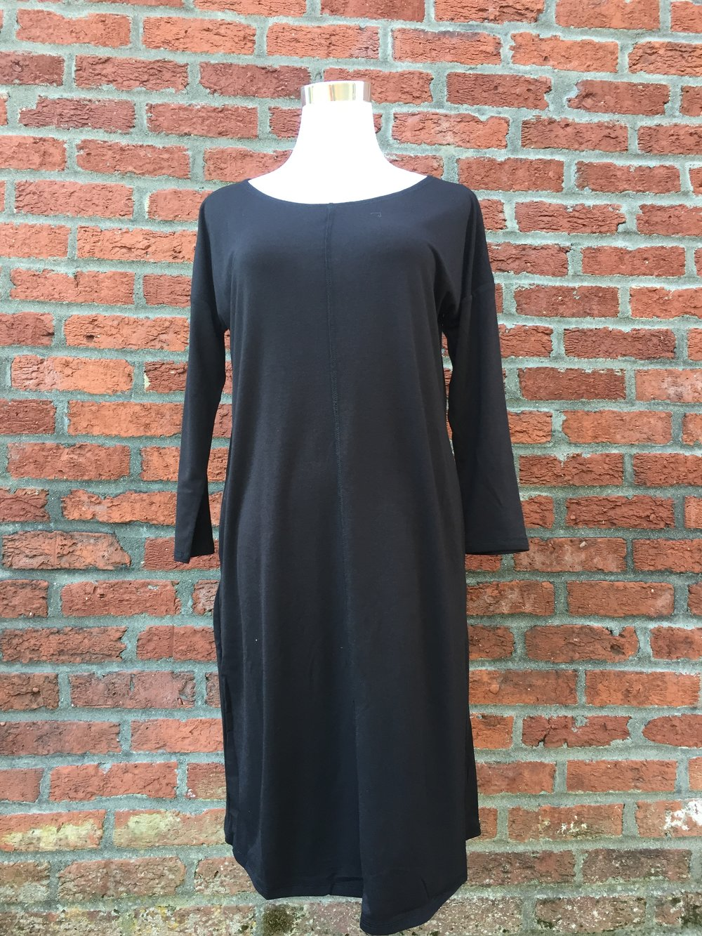 Basic Dress w/ Seam (Black, Navy and Grey $28)