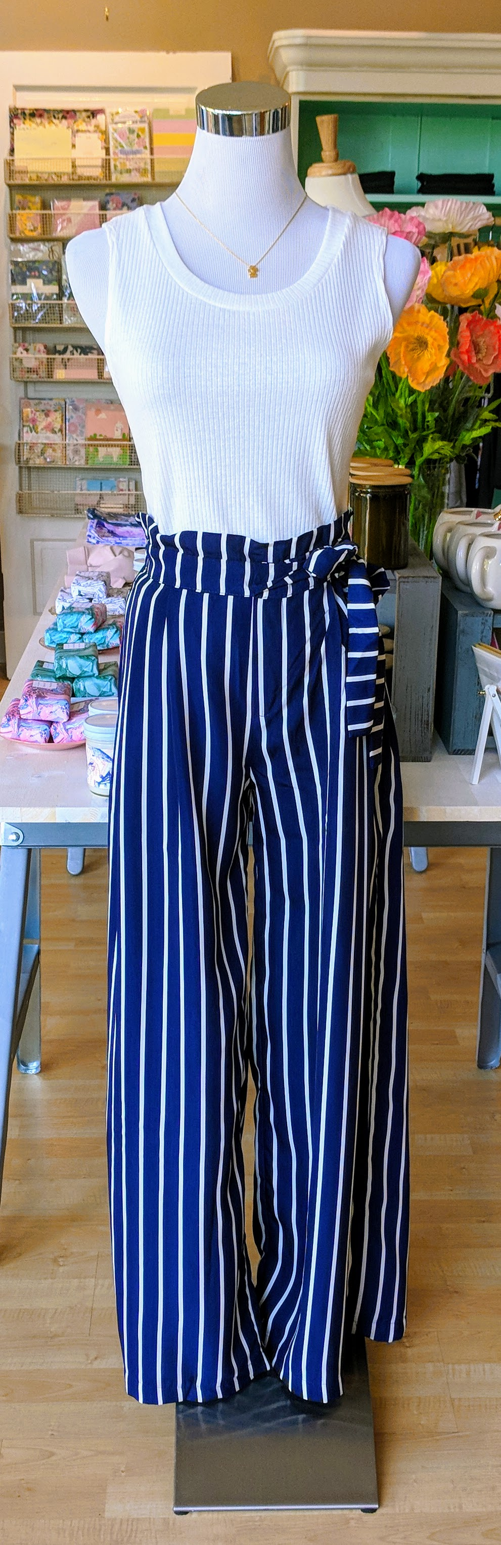 Navy stripe wide leg pant with tie on waist.