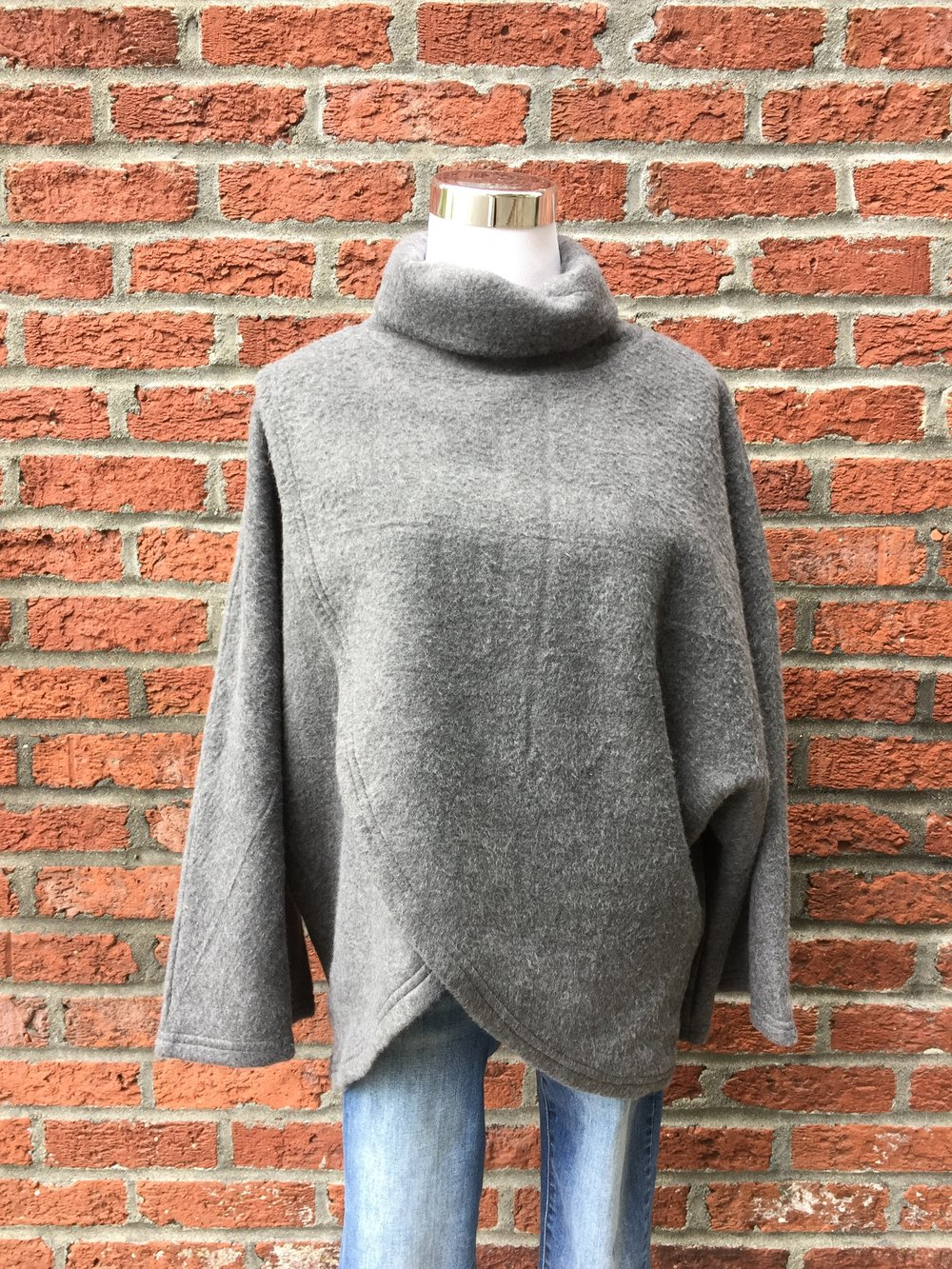 Soft Wrap Front Top (Grey or Rust)