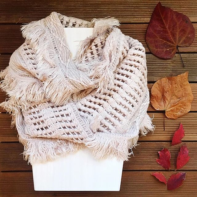 Another lovely gift idea - a light and airy scarf to remind you of spring in the coldest of weather 🌟 #meadowboutique #meadowboutiqueseattle #dress #clothing #fashion #shoppinglocal #shopping #style  #ootd  #ootdfashion  #seattlestyle #outfitinspo #instafashion  #whattowear #shopsmall #queenanne #queenannebouoque #boutiqueshopping #shopsmall #fallstyle #fallfashion #weekendready #newarrivals #cozy #casual #comfy