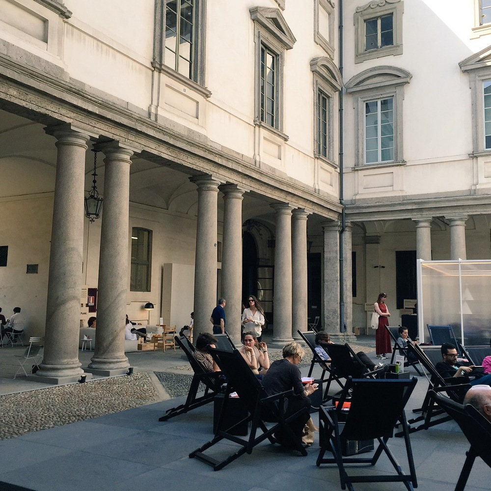 In the light-filled 17th century courtyard of Palazzo Litta, in the 5Vie district, there were USB charging stations supplied by Punkt next to the deckchairs in a neat juxtaposition of the very old and the very new. I learnt that if you put your phone into airplane mode it charges faster.