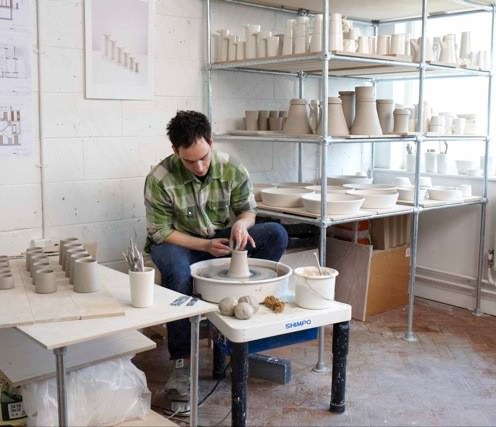 You can commission and work with award-winning potter Billy Lloyd through The New Craftsmen