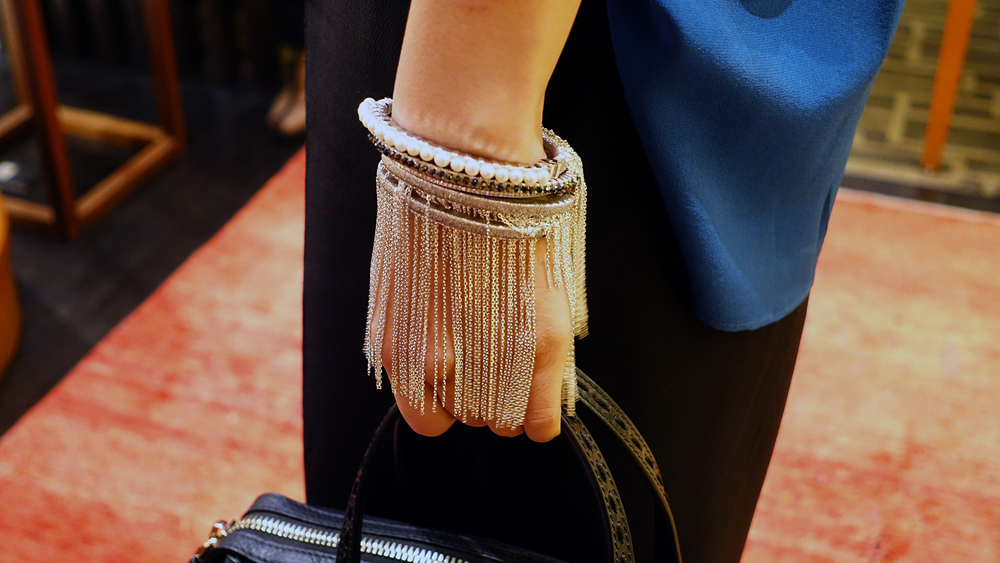 SIMON ALCANTARA PEARLS, DIAMONDS SPINEL AND WHITE GOLD FRINGE MOMENT.jpg