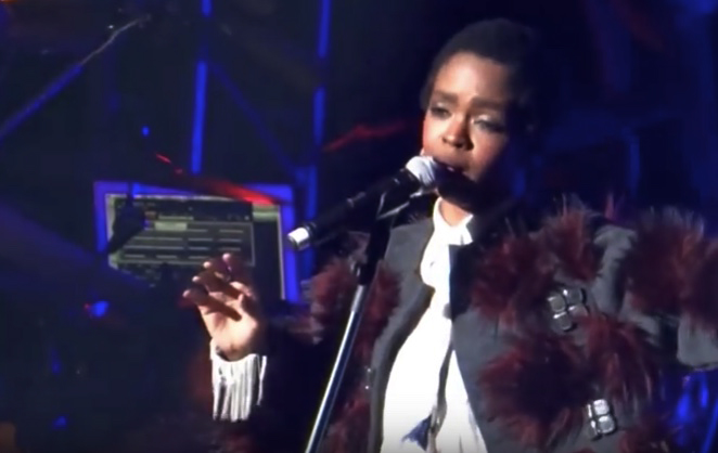 Lauryn Hill wearing Simon Alcantara 2.png