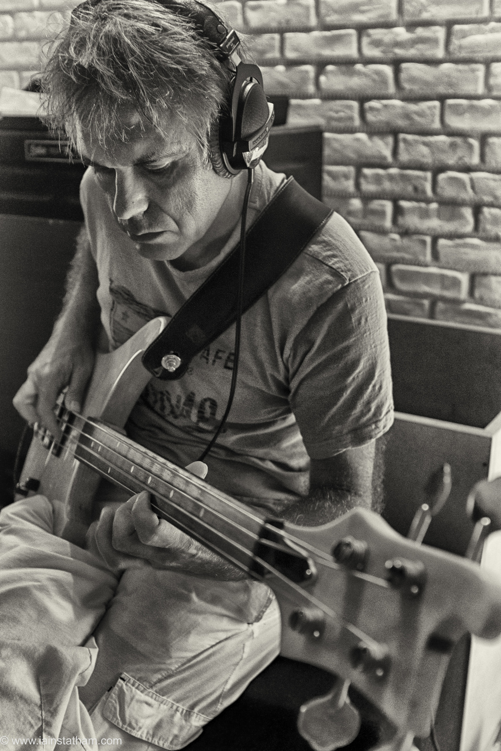 fr - music - mahognay - studio - bw - august 15-19.jpg