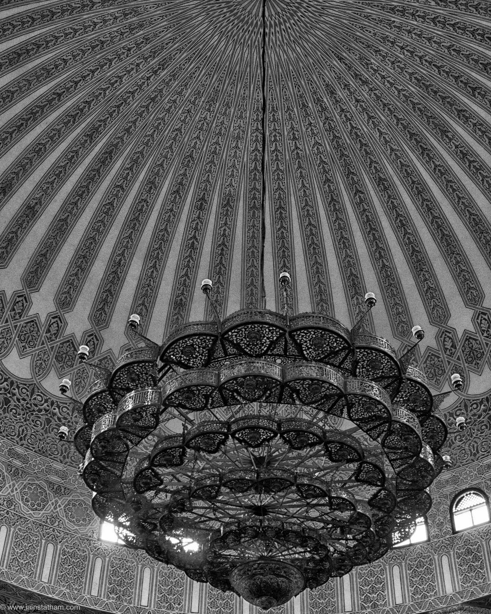 ug - kampala - gadaffi mosque - bw-1.jpg