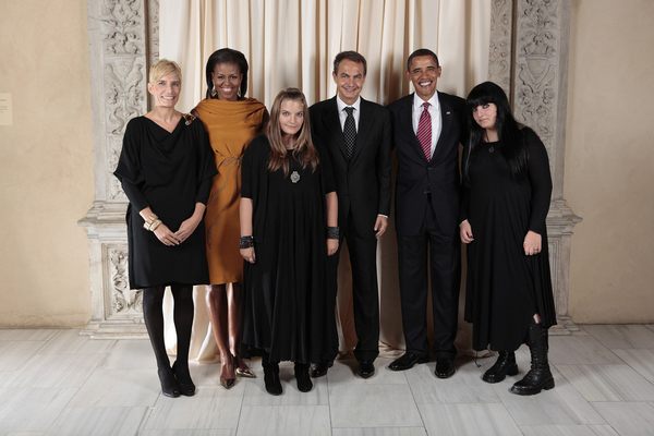 The Creepy First Family from Spain [PIC] This photo HAS to be also posted on Goths in Hot Weather!