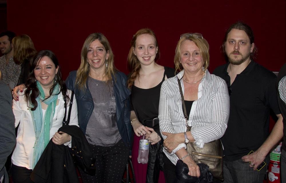 Cintia Donoso, Carina Vivaldi, Belén Corradi, Diana Vivaldi y Eddy.