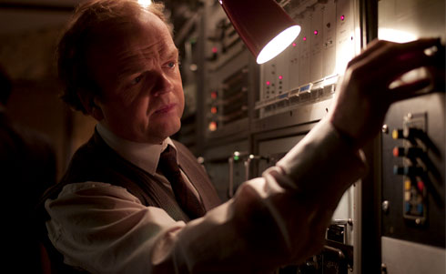 Toby Jones as Gilderoy. Image courtesy of Artificial Eye.