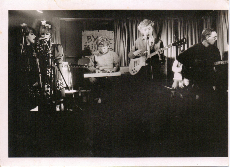 The Pastels (with Strawberry Switchblade) , Glasgow, 1982. Photo by Peter McArthur.