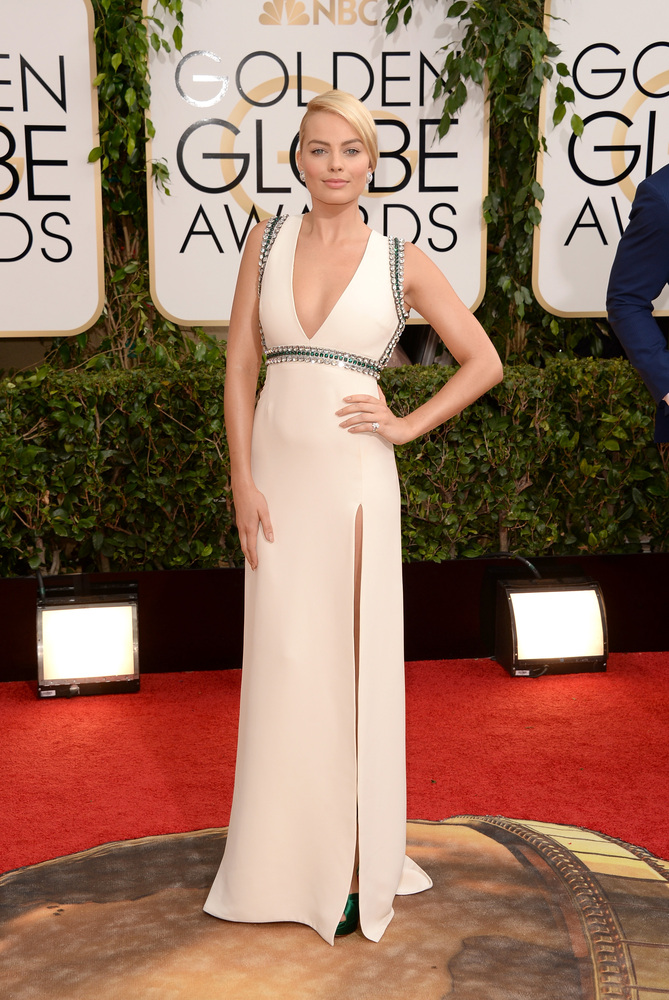 Wolf of Wallstreet's Margo Robbie looks breathtaking in this beautiful Gucci gown.