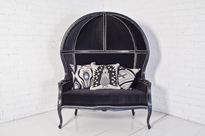 Balloon Chair in Grey Velvet Via Moussad