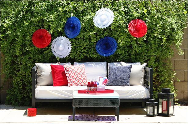 Go outdoor and relax decor via Lauren Conrad