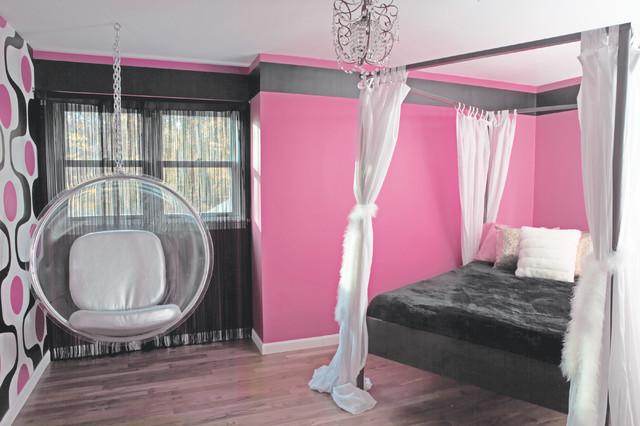 Love the hanging chair! Via Raine Heidenberg Interior Design