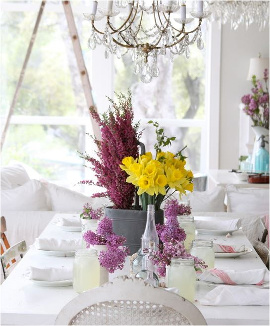 Kristi_spouse_floral_displays_dining_room_Dreamy Whites_5_2014.JPG