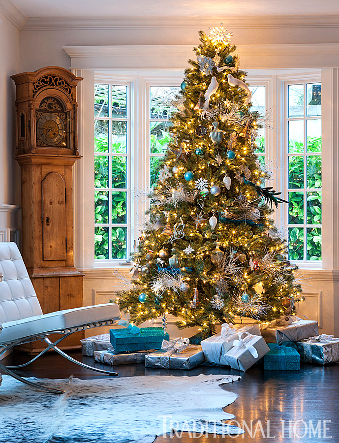 Like To Read The Full Article Here Is Link Traditional Home Traditionalhome Design Beautiful Homes Holiday Blue And White
