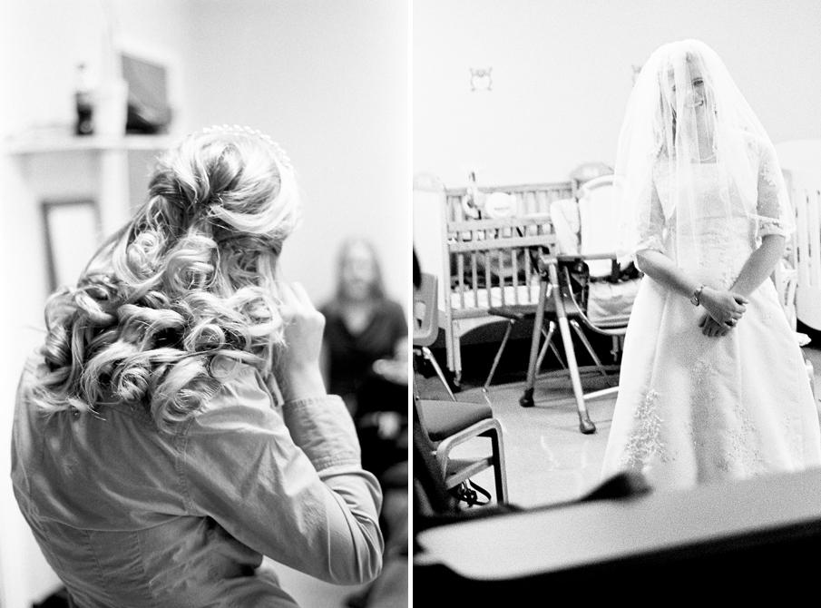 Warsaw IN Wedding Photography by Naomi & Sam Karth, www.thekarths.com