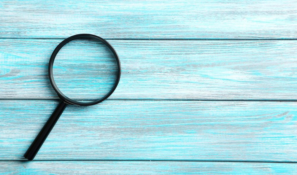 Ways to make your website more visible on Google (image of a magnifying glass)