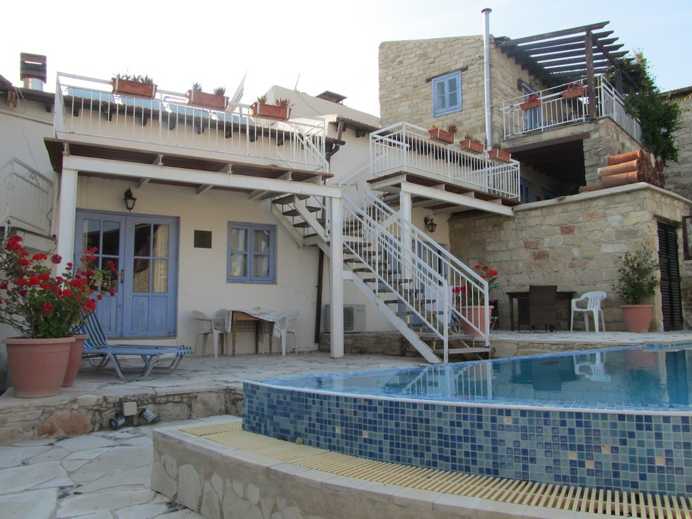 Village villa in Tochni