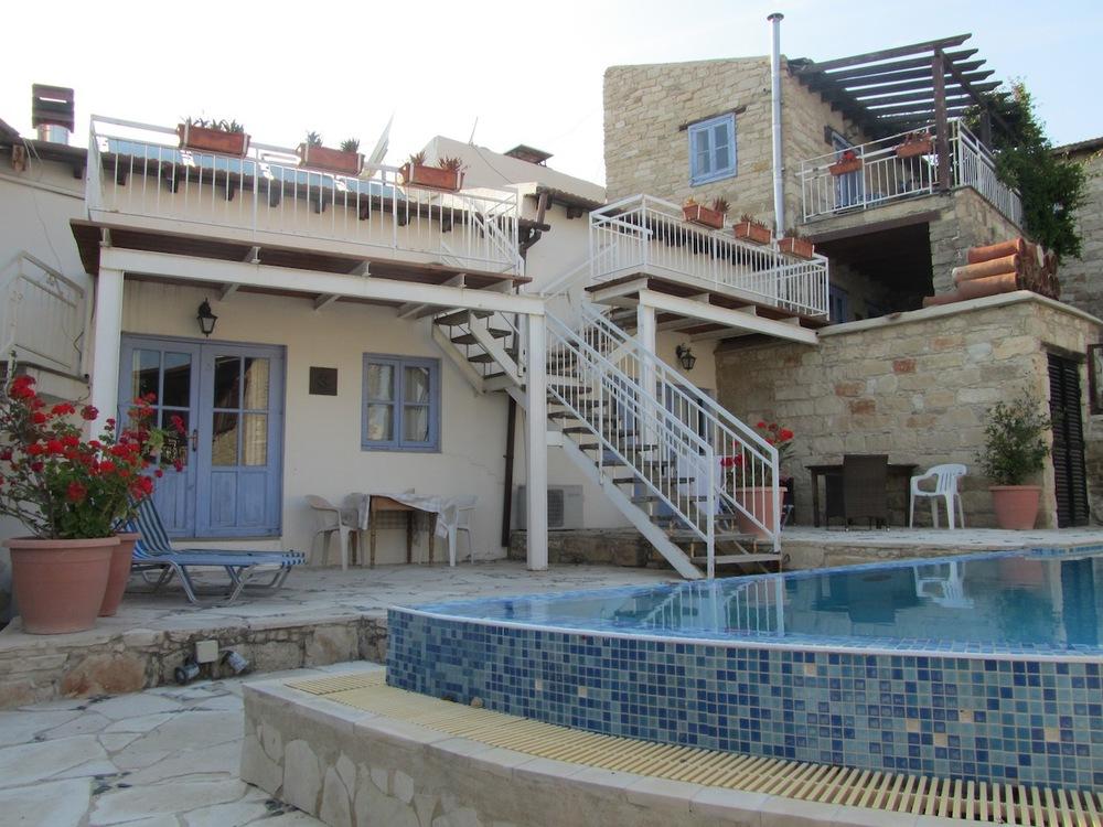 Village villa in Tochni