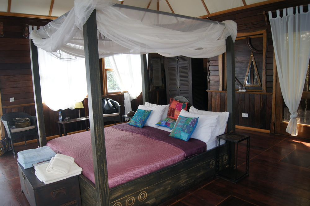 The bed inside our floating lodge - the site of some great zzzzzzz's