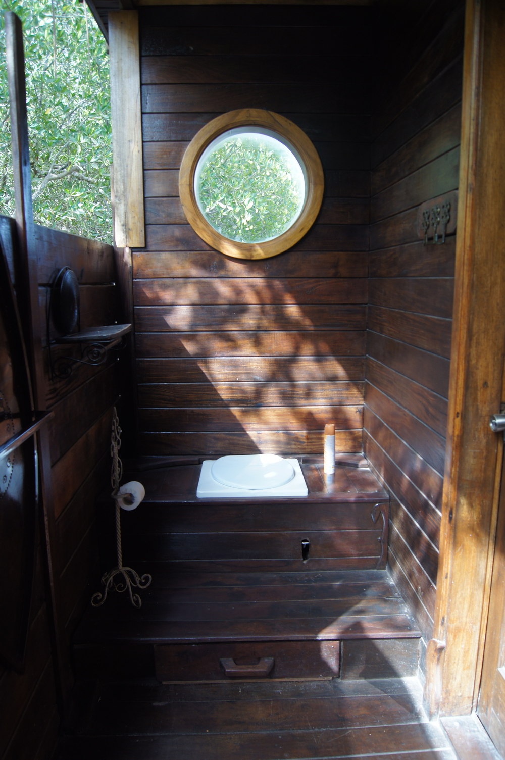 Al fresco bathroom