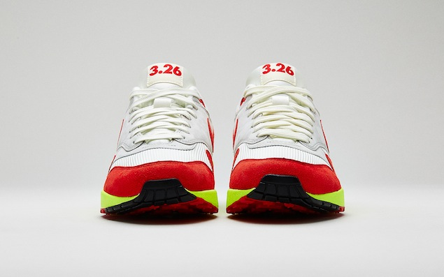 Nike 3.26 Air Max trainer