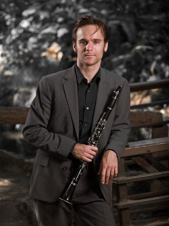 Andrew Leonard promo picture clarinet recolored.jpg