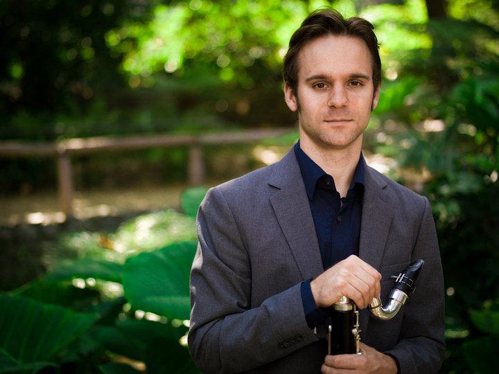 Andrew Leonard promo picture bass clarinet.jpg