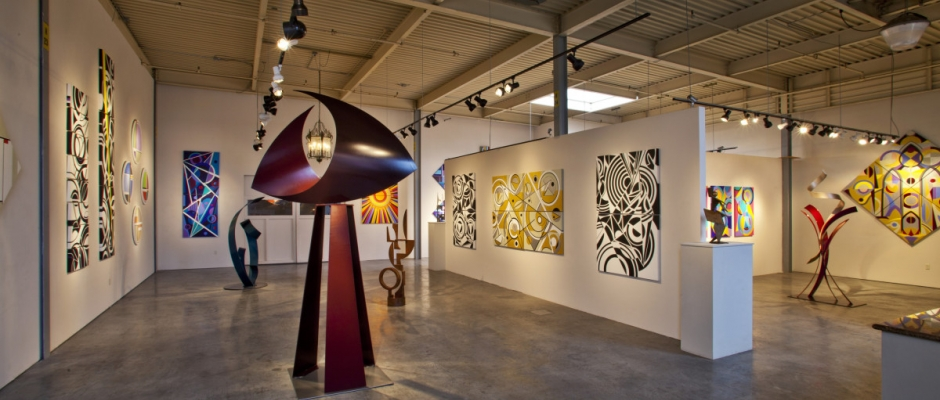 R.Blitzer Gallery featuring the art of Catamaran cover artist Ralph Joachim.  Photo by rr jones.