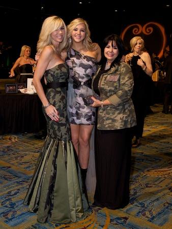 Marissa Mettauer (left) with daughter Marxli and Sue Adams.Photo by © Susan Lee