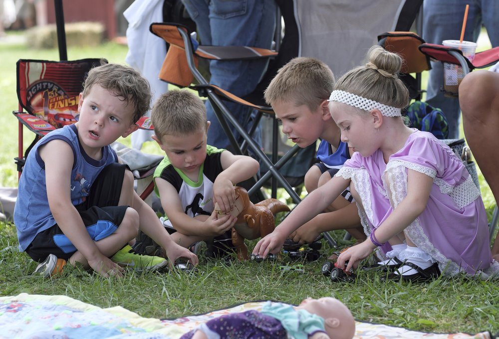 070118 Miller Family Hoedown at Folk Fest a143.JPG