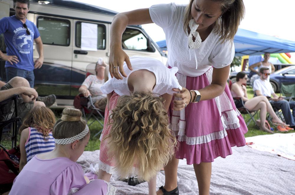 070118 Miller Family Hoedown at Folk Fest a259.JPG