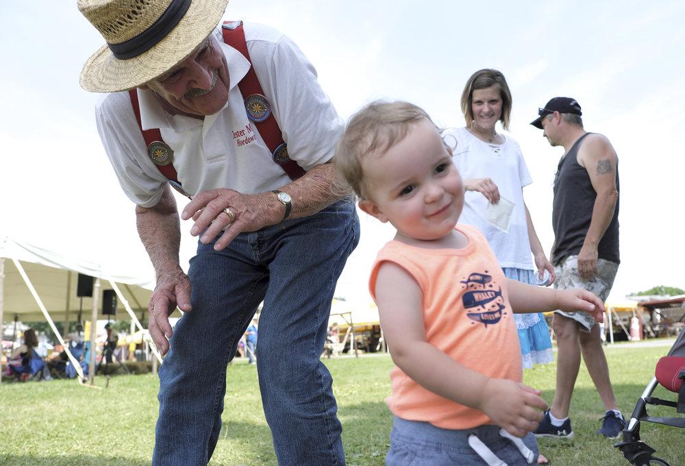 070118 Miller Family Hoedown at Folk Fest a1466.JPG