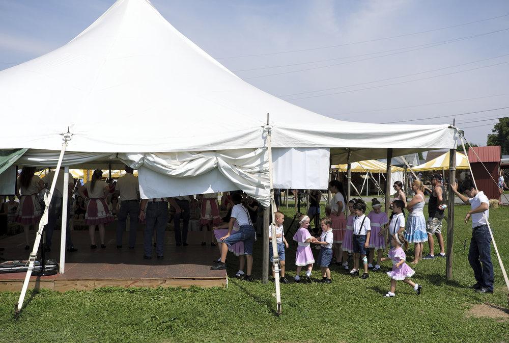 070118 Miller Family Hoedown at Folk Fest a1674.JPG