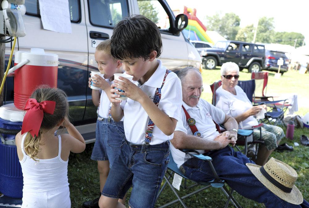070218 Miller Family Hoedown at Folk Fest a910.JPG