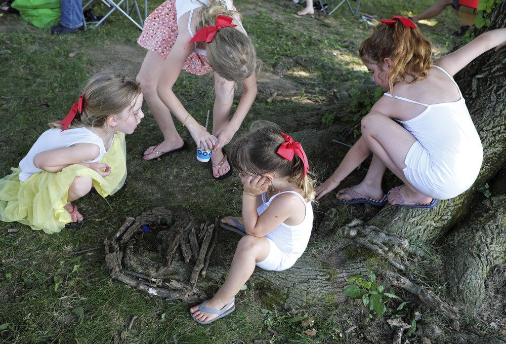 070218 Miller Family Hoedown at Folk Fest a938.JPG