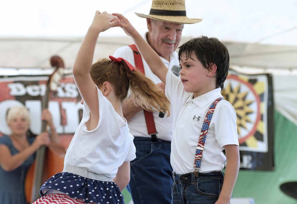 070218 Miller Family Hoedown at Folk Fest a1446.JPG