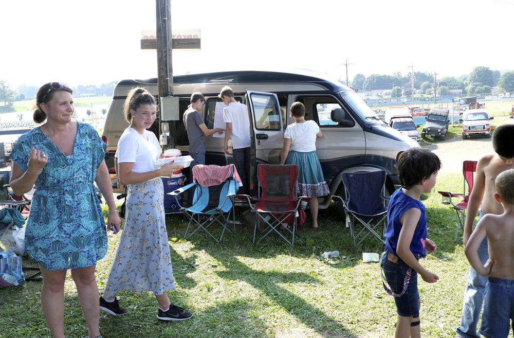 070218 Miller Family Hoedown at Folk Fest a1835.JPG