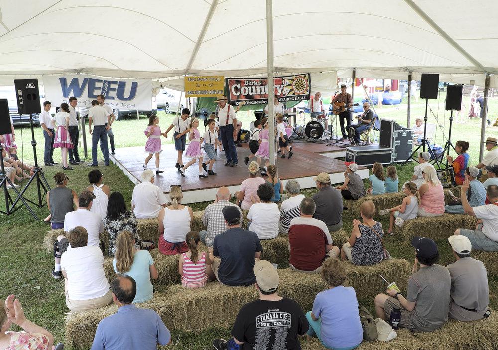 070518 Miller Family Hoedown at Folk Fest a128.JPG