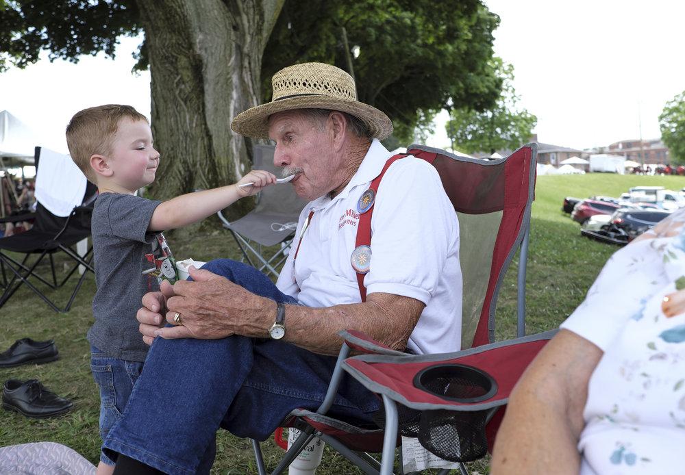 070518 Miller Family Hoedown at Folk Fest a279.JPG