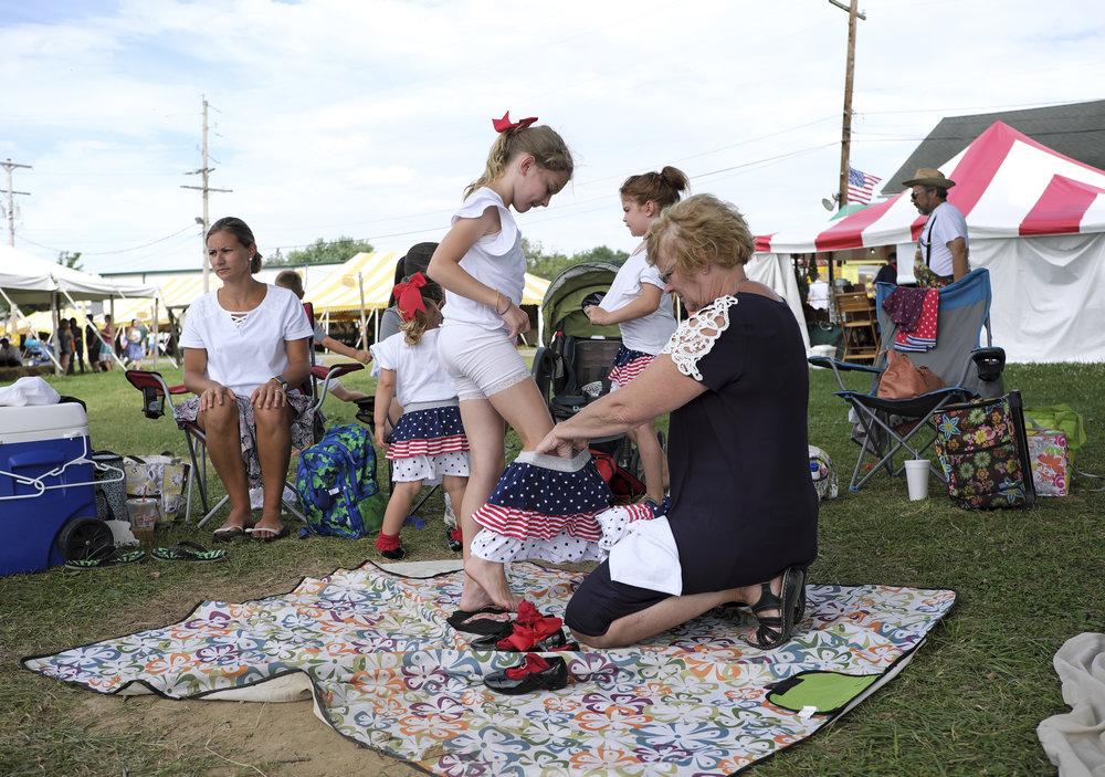 070618 Miller Family Hoedown at Folk Fest a212.jpg