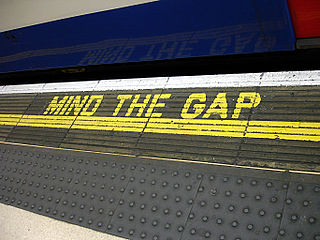 320px-Bakerloo_line_-_Waterloo_-_Mind_the_gap