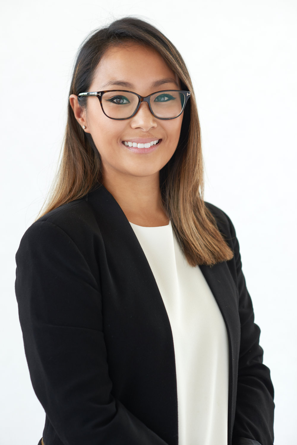 Business Portrait of Minai Bui