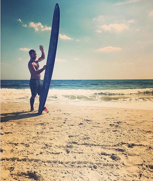 Summer, can you hear me?... Anyone else excited that Spring officially kicks off this week? . . 📸: @blackkbeard ? #haze #hazesurf #hazesurfboards #surf #customsurfboards #designsbyhaze #surfdesign #surfboard #summer #seasonchange #hangten #logdaze