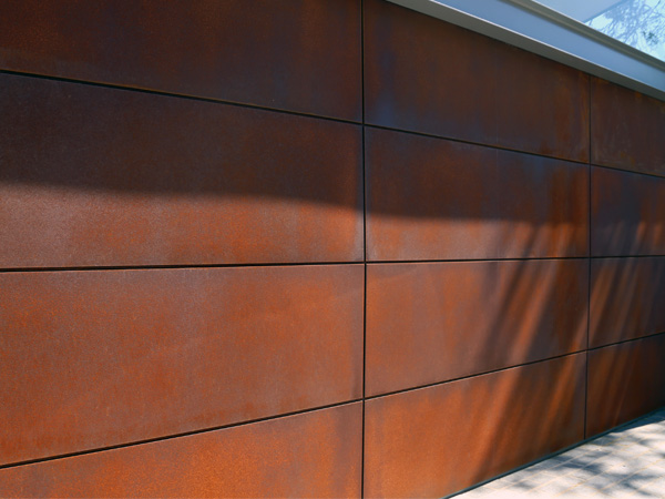 marine_rust_garage_door_1.jpg