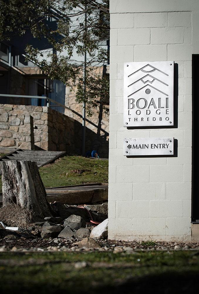 Boali Lodge | Aluminium Lunar Antique