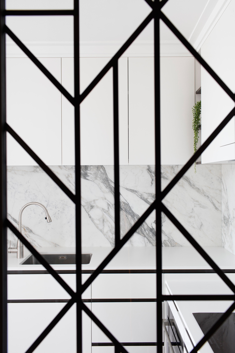 LINK Glass | Bronze Florentine Cast | Assisi Pattern