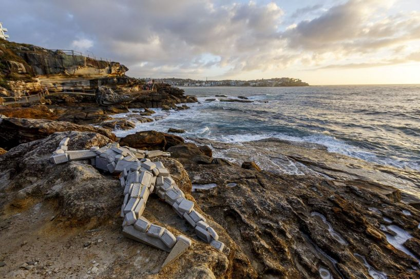 sculpture-by-the-sea-australia-bondi-beach-designboom-20-818x545.jpg